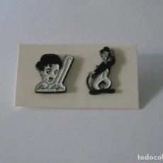 Pins de colección: LOTE DE DOS PINS DE CHARLES CHAPLIN - CHARLOT.. Lote 263011750