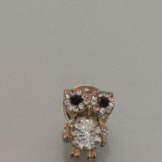 Pins de colección: PIN BUHO BRILLANTES Y PIEDRECITAS. Lote 263721000