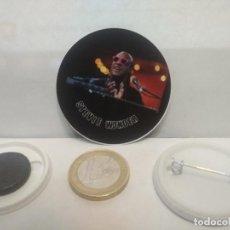 Pins de colección: CHAPA BOTON ALFILER PIN O IMAN STEVIE WONDER 38MM PEPETO. Lote 265848059