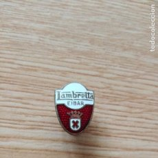 Pin's de collection: ANTIGUA INSIGNIA DE OJAL DE LAMBRETTA EIBAR.. Lote 266740438
