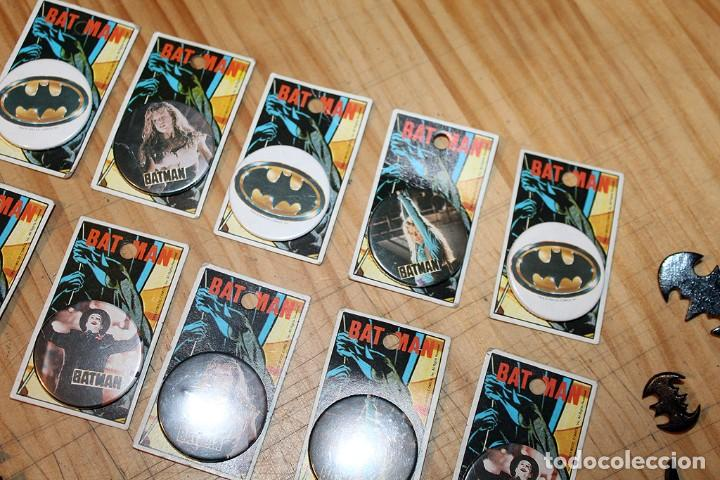 Pins de colección: BATMAN - LOTE DE ANTIGUAS CHAPAS Y BROCHES - AÑOS 80/90 - Foto 3 - 267389694