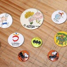 Pins de colección: LOTE DE ANTIGUAS CHAPAS DE LOS AÑOS 80 Y 890: TORTUGAS NINJA, SNOOPY, COBI, BCN 92. Lote 267391369