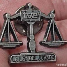 Pins de colección: TVE LEY JURADO TELEVISION ORIGINAL 2 CMS PIN PROGRAMA JAVIER NART. Lote 267909559