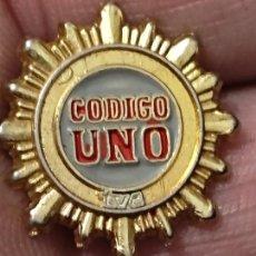 Pins de colección: TVE CODIGO UNO TELEVISION ORIGINAL 2 CMS PIN PROGRAMA ARTURO PEREZ REVERTE. Lote 267910459