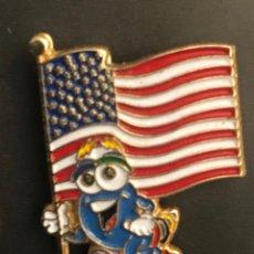 Spille di collezione: PIN JUEGOS OLIMPICOS MASCOTA ATLANTA 1996 BANDERA USA. Lote 269716683