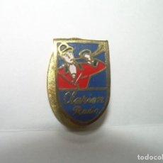 Pins de colección: ANTIGUA INSIGNIA.....CLARION RADIO.. Lote 272892228