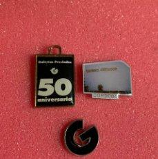 Pins de colección: 654.LOTE 3 PIN INSIGNIA ANTIGUAS DE GALERIAS PRECIADO 50 ANIVERSARIO (UNA MARCADA 0003) VER FOTOS. Lote 276608923