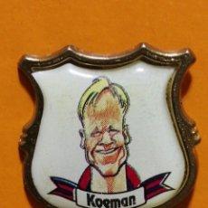 Pins de colección: PIN KOEMAN FC BARCELONA CARICATURA. Lote 277203298