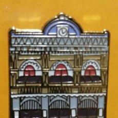 Pins de colección: PIN LICEO DE CATALUNYA BARCELONA MONUMENTO EDIFIO CULTURA. Lote 277203548