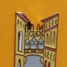 Pins de colección: PIN BARRIO GÓTICO BARCELONA MONUMENTO EDIFIO CULTURA. Lote 277203573