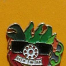 Pins de colección: PIN TOMATIC CLUB SUPER TRES TV3. Lote 277203608