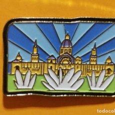 Pins de colección: PIN MONTJUÏC PARQUE DE ATRACCIONES BARCELONA MONUMENTO EDIFIO CULTURA. Lote 277203788