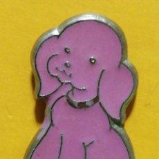 Pins de colección: PIN PERRO ROSA. Lote 277204058