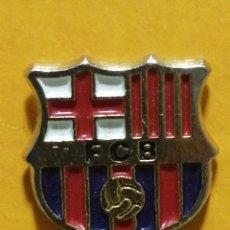 Pins de colección: PIN ESCUDO FC BARCELONA FUTBOL. Lote 277204183