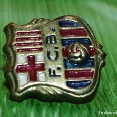 Pins de colección: PIN ESCUDO FC BARCELONA FUTBOL DE AGUJA. Lote 277204268