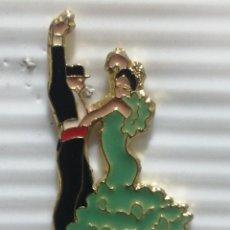 Pins de colección: PIN ANDALUCÍA SEVILLANOS SEVILLA. Lote 280130203