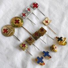 Pins de colección: CONJUNTO DE PINS Y ALFILERES CRUZ ROJA Y SIMILARES. Lote 283465313