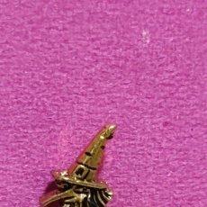 Pins de colección: PIN BRUIXA D'OR BRUJA DE ORO SORT. Lote 288125353
