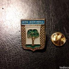 Pins de colección: PIN HERÁLDICO ESCUDO SON SERVERA (ISLAS BALEARES / ILLES BALEARS) PEDIDO MÍNIMO 3 €. Lote 288749158