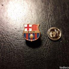 Pins de colección: PIN ESCUDO FC BARCELONA. DEPORTES. FÚTBOL. PEDIDO MÍNIMO 3 €. Lote 288857428