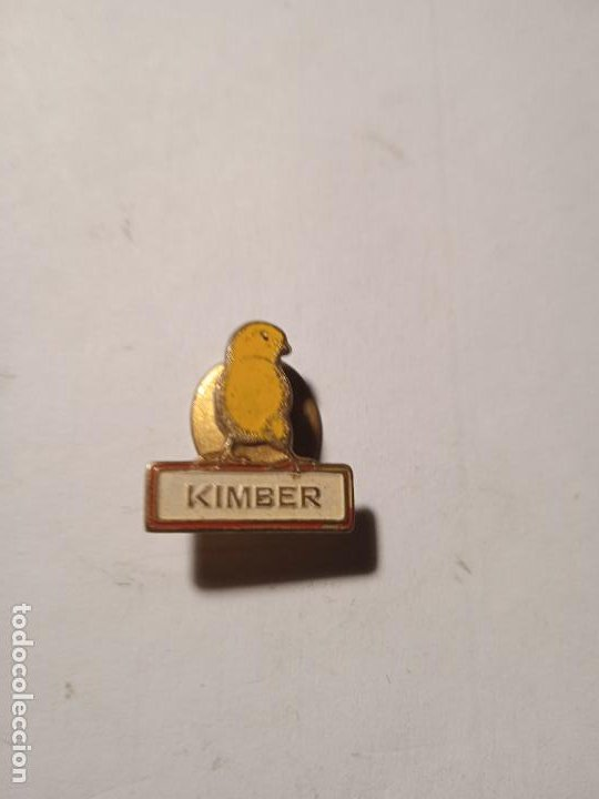 ANTIGUO PIN - INSIGNIA KIMBER. ALGUNAS SEÑALES DE USO. (Coleccionismo - Pins)
