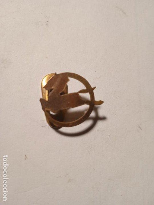 ANTIGUO PIN - INSIGNIA EN METAL. PEGASO. (Coleccionismo - Pins)