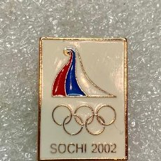 Pins de colección: 2055.RARO PIN COMITE OLIMPICO DE SOCHI 2002 (SOCHI OLYMPIC COMMITTEE). Lote 293524763