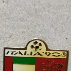 Pins de colección: PIN COCA COLA ITALIA 90. Lote 294980363