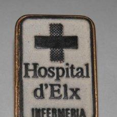 Pins de colección: UN PIN DEL HOSPITAL DE ELCHE. Lote 296735178