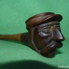 Pipas de fumar: GENIAL PIPA DE FUMAR ANTIGUA CABEZA BIGOTUDO TALLADA TODO MADERA COMPLETAMENTE ARTESANAL GORRA. Lote 81254112