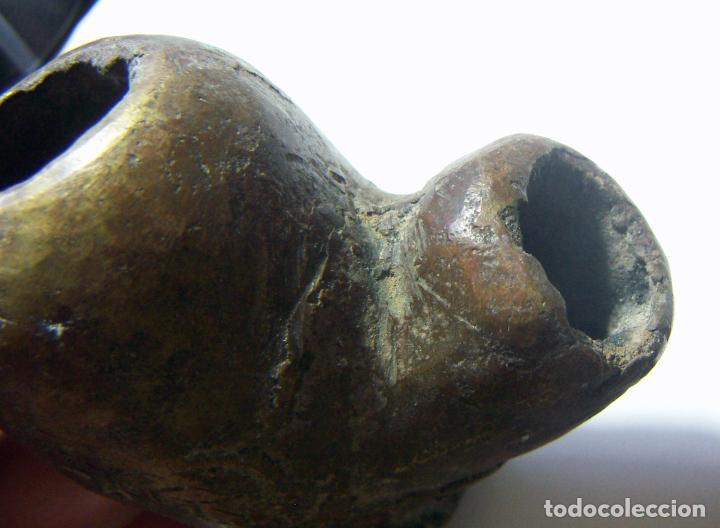 Pipas de fumar: MUY ANTIGUA CAZOLETA DE PIPA DE BARRO FORRADA DE BRONCE - Foto 6 - 113426151