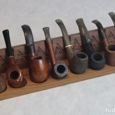 Pipas de fumar: EXPOSITOR DE PIPAS DE FUMAR,CON OCHO PIPAS,TODAS DE MADERA. Lote 126023455
