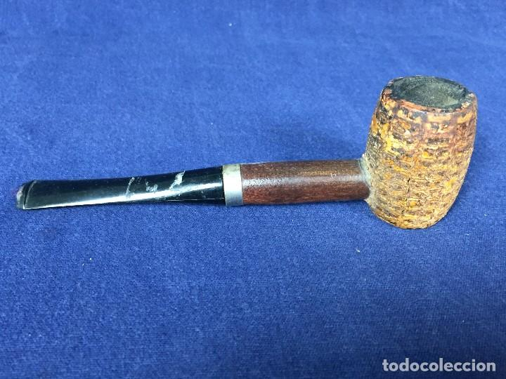 PIPA EN MADERA CON ESTRIAS BOQUILLA PLÁSTICO S XX (Coleccionismo - Objetos para Fumar - Pipas)