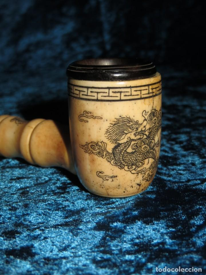 Pipas de fumar: Antigua pipa opio china Asia oriental hueso madera grabados dragón símbolos - Foto 6 - 258246445