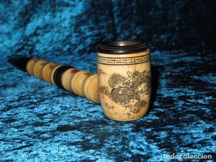 Pipas de fumar: Antigua pipa opio china Asia oriental hueso madera grabados dragón símbolos - Foto 10 - 258246445