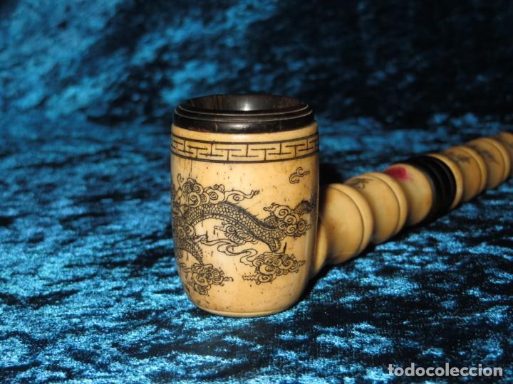 Pipas de fumar: Antigua pipa opio china Asia oriental hueso madera grabados dragón símbolos - Foto 19 - 258246445