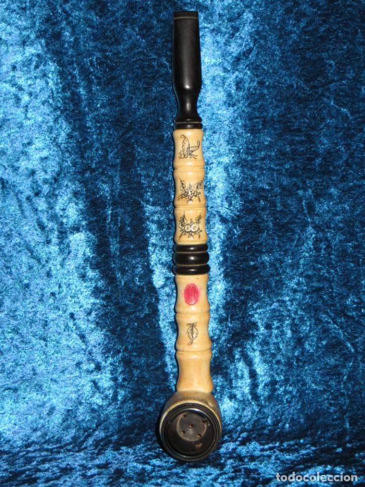 Pipas de fumar: Antigua pipa opio china Asia oriental hueso madera grabados dragón símbolos - Foto 33 - 258246445
