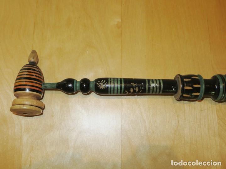 Pipas de fumar: Antigua pipa madera tallada larga 51 cm Bosnia finales siglo XX - Foto 17 - 263778555