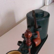 Pipas de fumar: ANTIGUA Y MAGNIFICA PIEZA DE COLECION PARA 7 PIPAS TABACO TIENE 1 PIPA LO PISA TABACO.ES EN MADERA. Lote 277243853