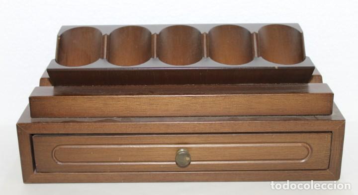 Pipas de fumar: Colección de 10 pipas con soporte expositor y cajón. Distintas marcas y modelos. - Foto 2 - 277472953