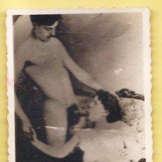 Postales - antigua fotografia erotica - med. 5'50 cm. x 8 cm. - lados ondulados - años 20 / 30 - 32726796
