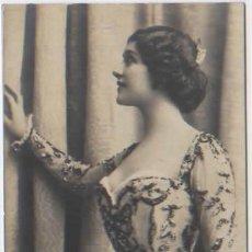 Postales: POSTAL SEÑORA EN TRAJE DE FIESTA 1902 ED. THOMAS. Lote 46734921