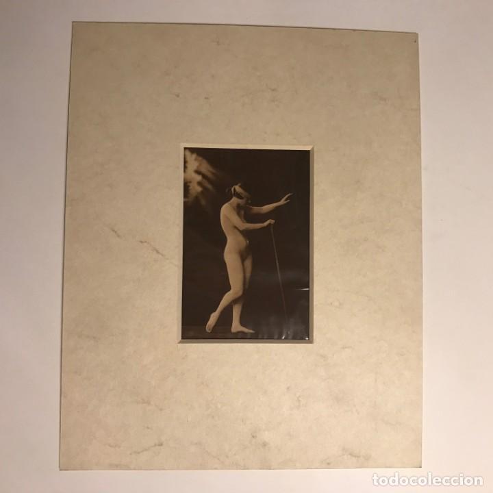 Postales: Postal antigua erótica con paspartú biselado color crema marmolado 25 x 20 cm. - Foto 2 - 147253362