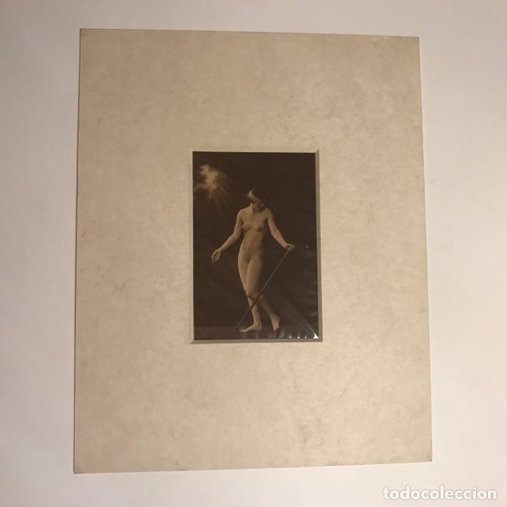 Postales: Postal antigua erótica con paspartú biselado color crema marmolado 25 x 20 cm. - Foto 2 - 147252862