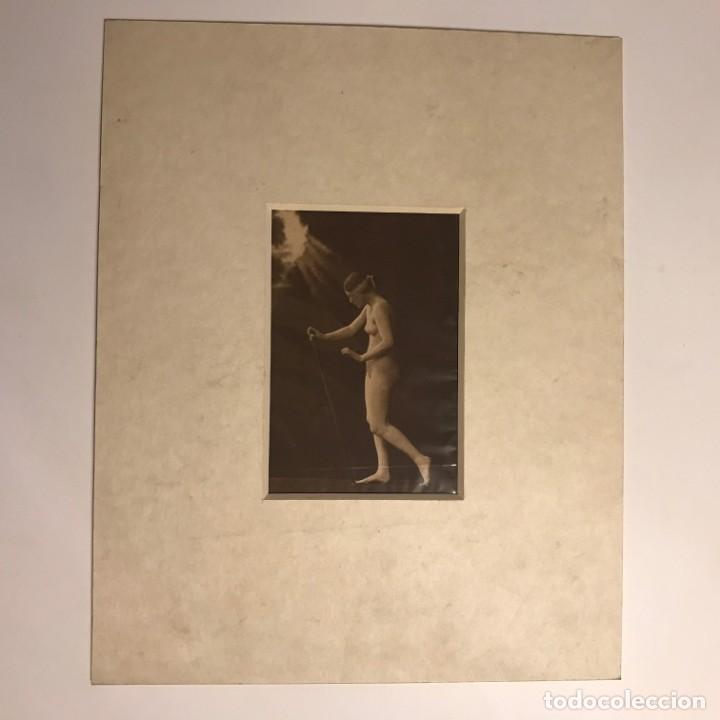 Postales: Postal antigua erótica con paspartú biselado color crema marmolado 25 x 20 cm. - Foto 2 - 147253298