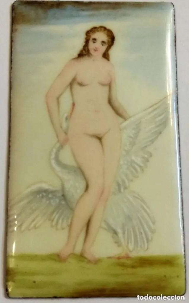 PRECIOSA PLACA DE ESMALTE PINTADA CON DESNUDO FEMENINO SIGLO XIX MEDIDAS 8 X 4,50 CM (Coleccionismo para Adultos - Postales Temáticas - Eróticas y Pin Ups)