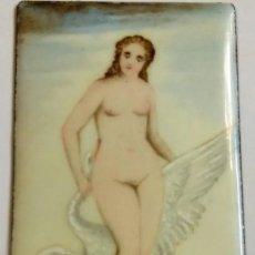 Postales: PRECIOSA PLACA DE ESMALTE PINTADA CON DESNUDO FEMENINO SIGLO XIX MEDIDAS 8 X 4,50 CM. Lote 236082060
