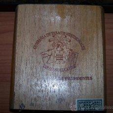 Cajas de Puros: PRECIOSA CAJA EN MADERA DE PUROS DE REPÚBLICA DOMINICA. Lote 36748459