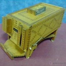 Cajas de Puros: CAJA DISPENSADOR PUROS FARIAS. Lote 39679736