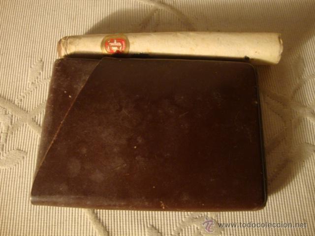 ANTIGUA CARTERA PAQUETE DE TABACO CON SU TABACO DENTRO Y PURO. LOTCRE250 (Coleccionismo - Objetos para Fumar - Cajas de Puros)